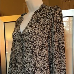Long sleeve tunic by Daisy Fuentes